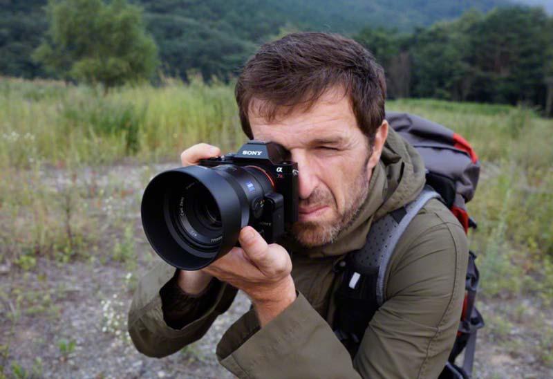 Nikon asegura que casi ningún profesional trabaja con Sony, Olympus ...