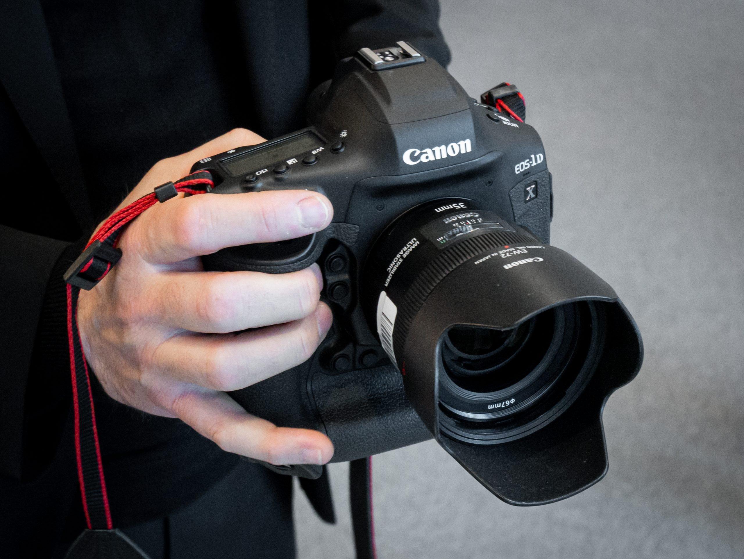 Canon-1DX-III-03