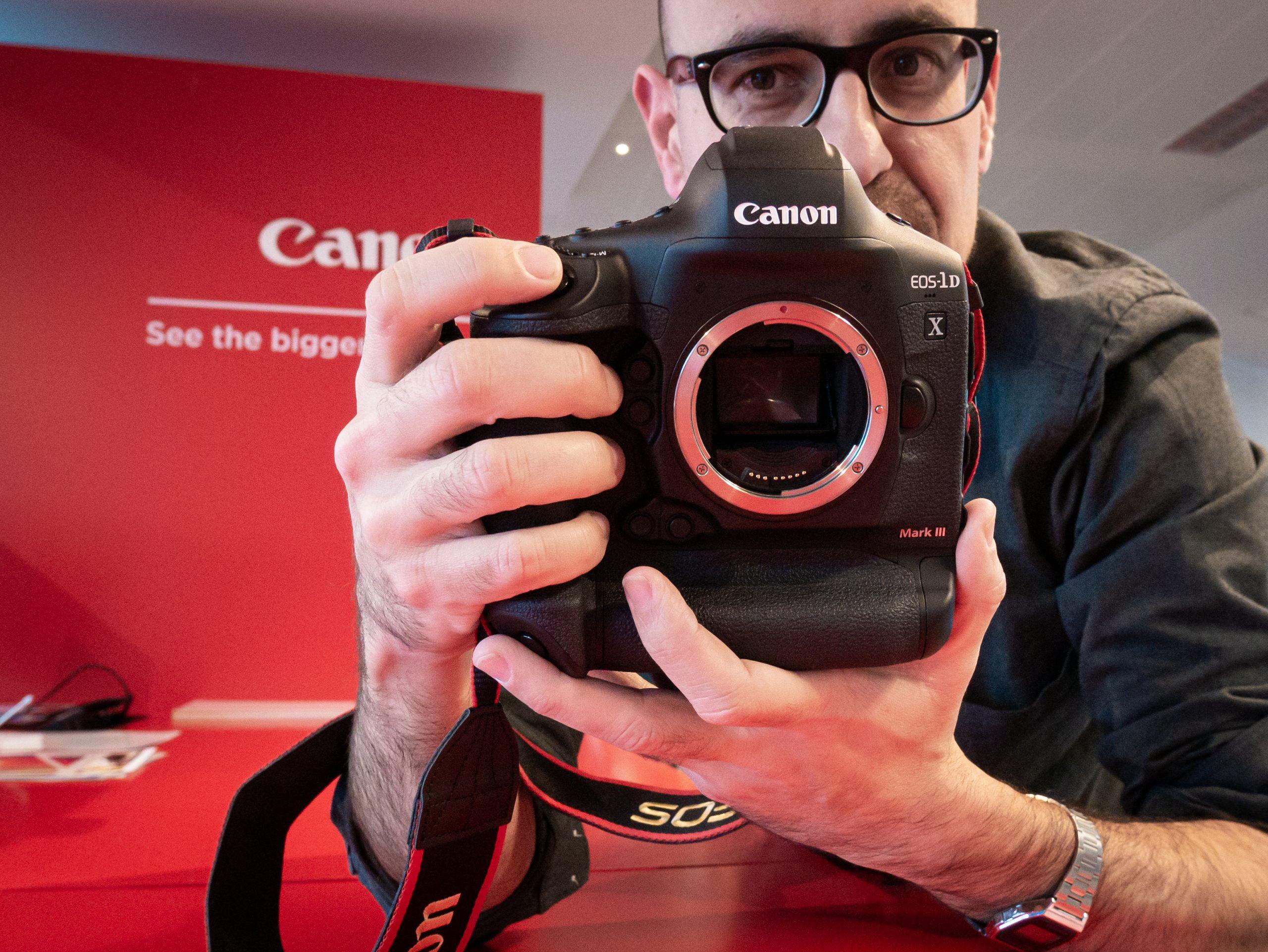 Canon-1DX-III-11