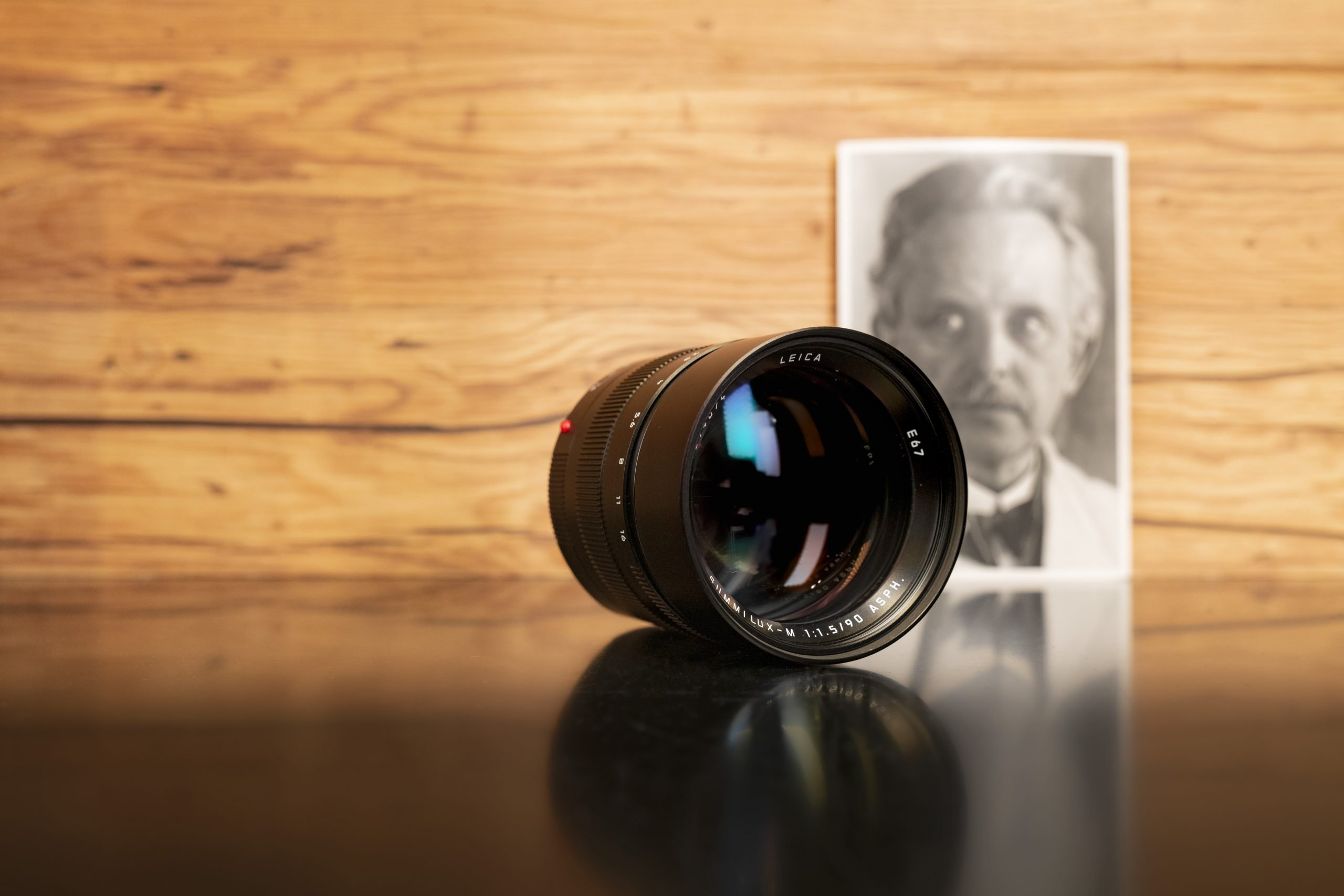 Leica-Summilux-90-01