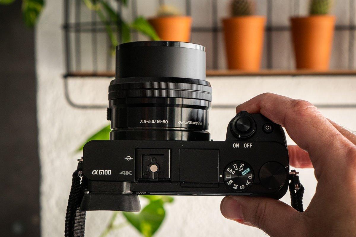 Sony A6100-11