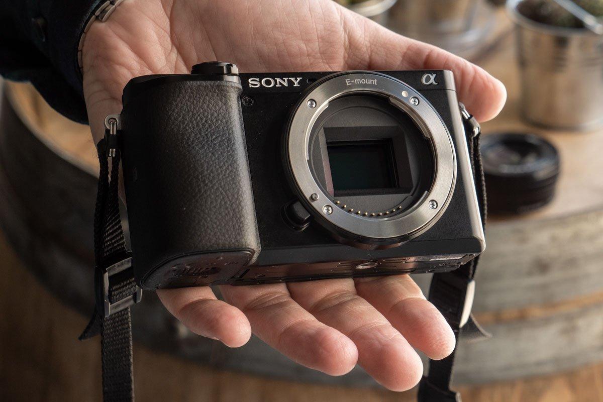 Sony A6100-9