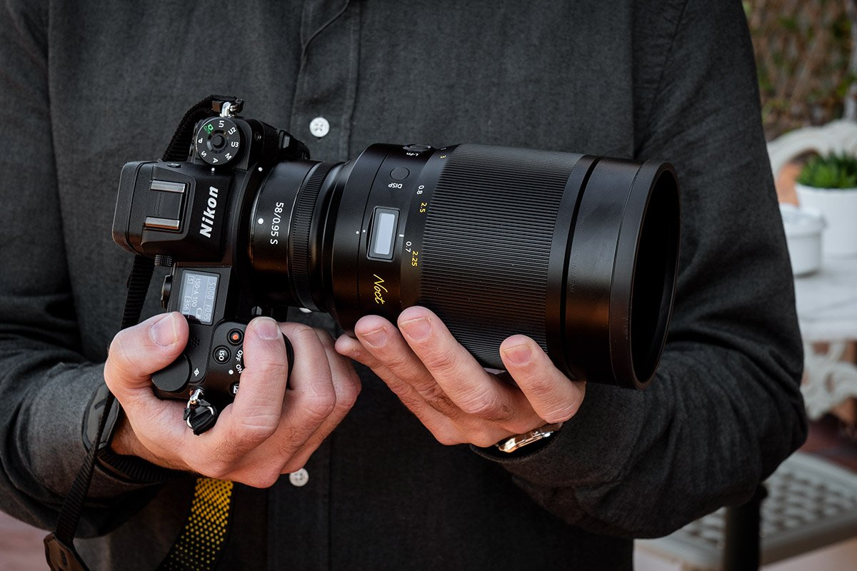 Nikon-Noct-1