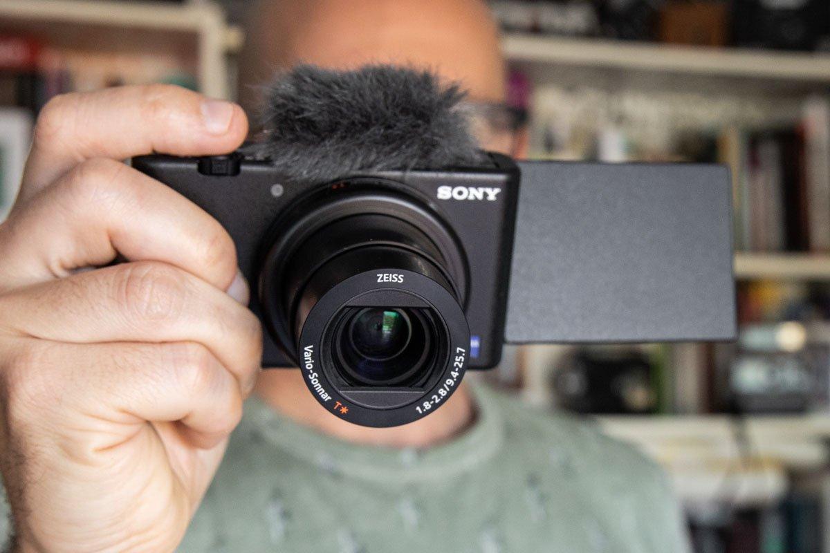 Sony-ZV-1-10