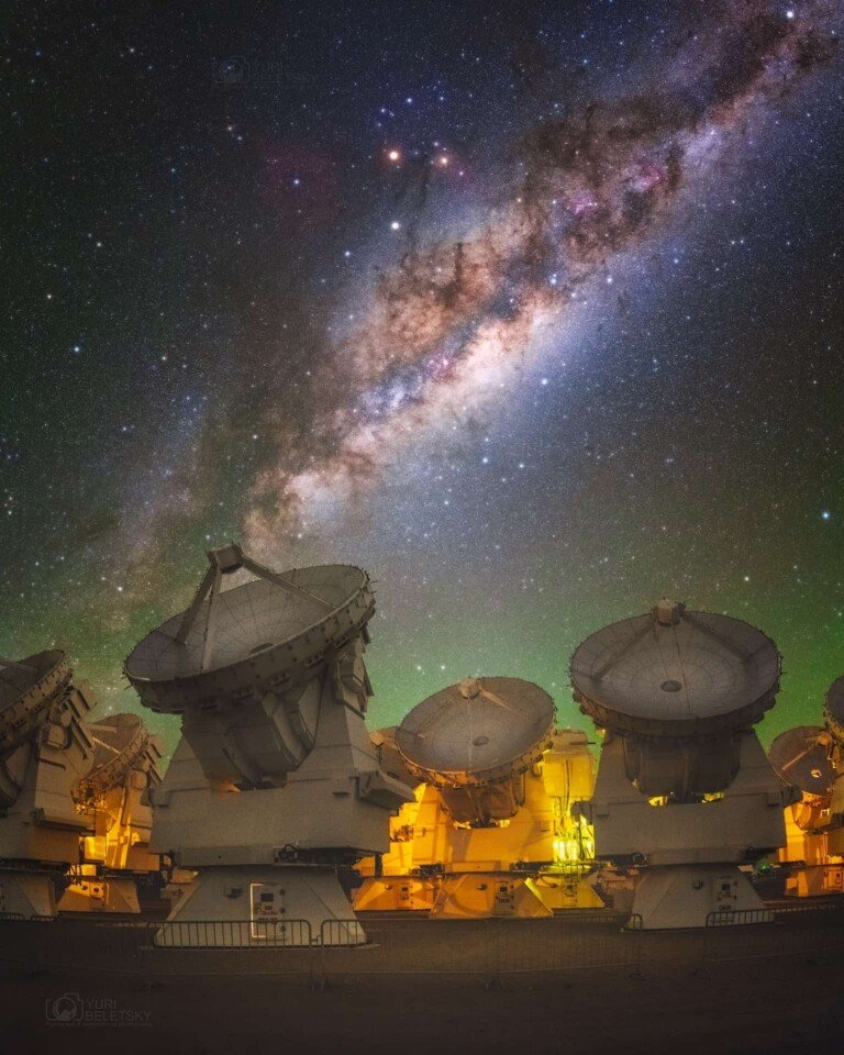 Milky-Way-at-ALMA-observatiry-Atacama-Chile-768×960