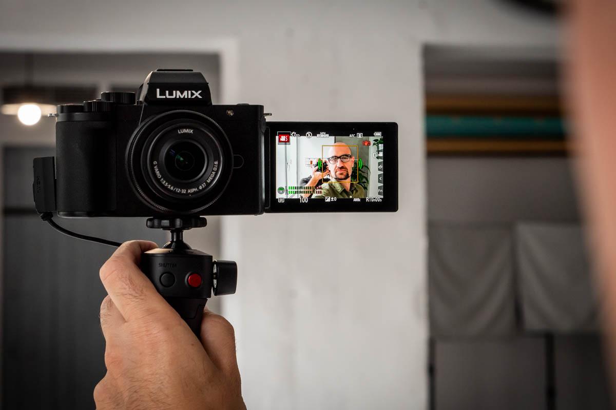 Panasonic Lumix G100V-12