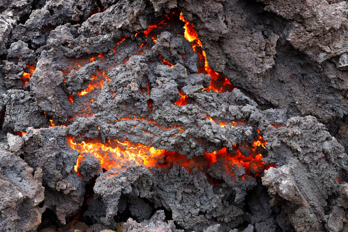 Volcan-Islandia-Nestor-Roldan-02