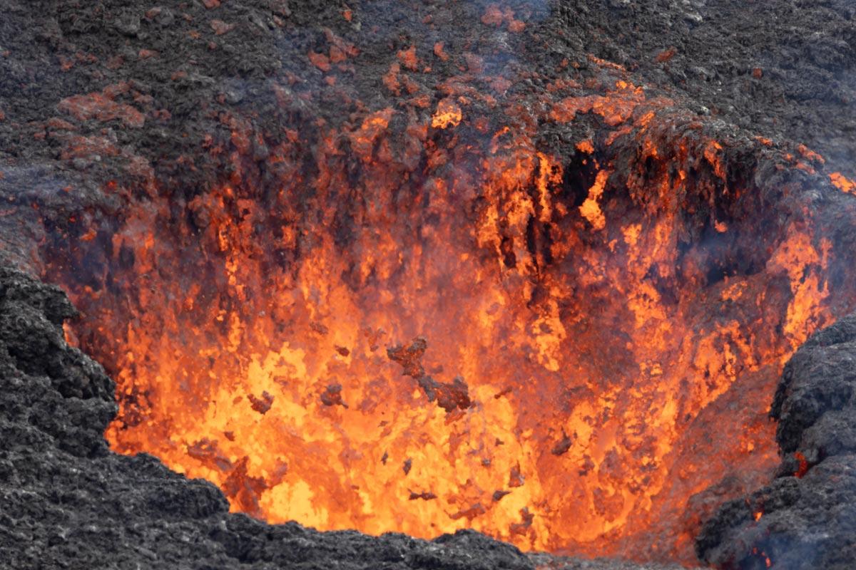 Volcan-Islandia-Nestor-Roldan-04